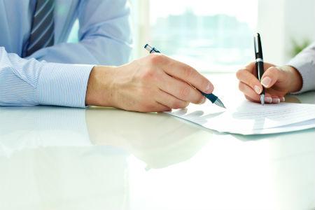 ИП подписывает документы