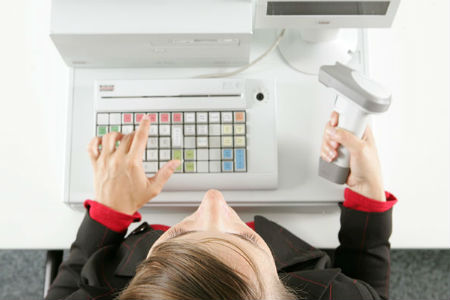 ИП производит операции связанные с кассой